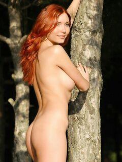 Красота девушки и природы