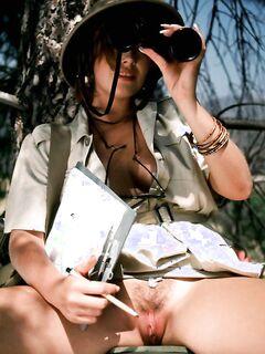 Полные сиськи в женских ручках