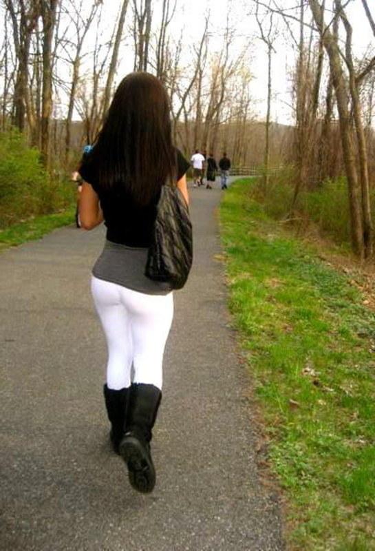 Идеальное женское тело в лосинах