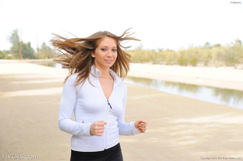 Утрення пробежка не расслабляет так, как сладкая дрочка