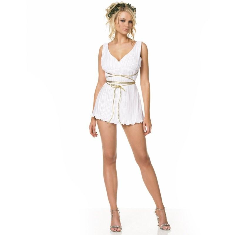 Заманчивые наряды на привлекательных девушках