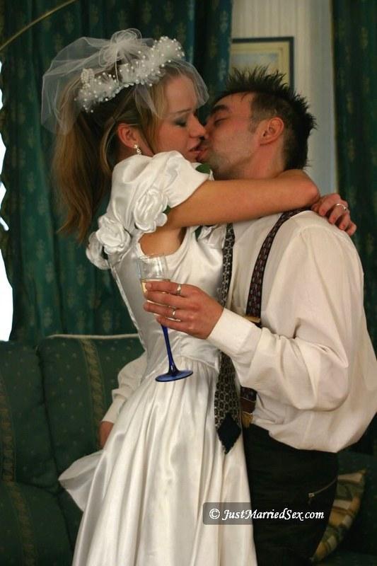 Первая брачная ночь запомниться на всегда