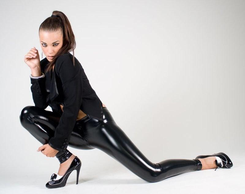 Сексуальные девушки в лосинах