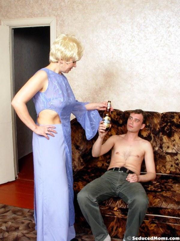 Вместо ссоры трахнулась со своим супругом