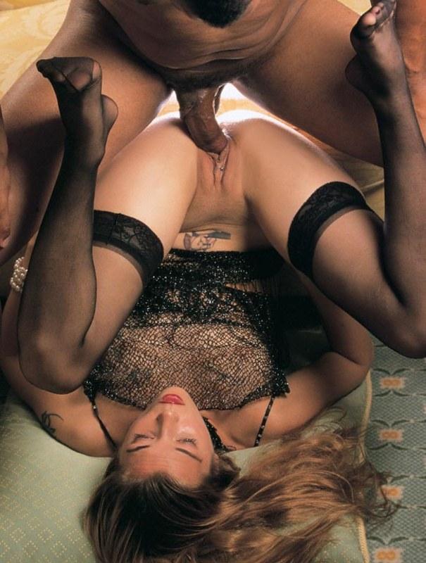 Пробит не только язык, но и половые губки