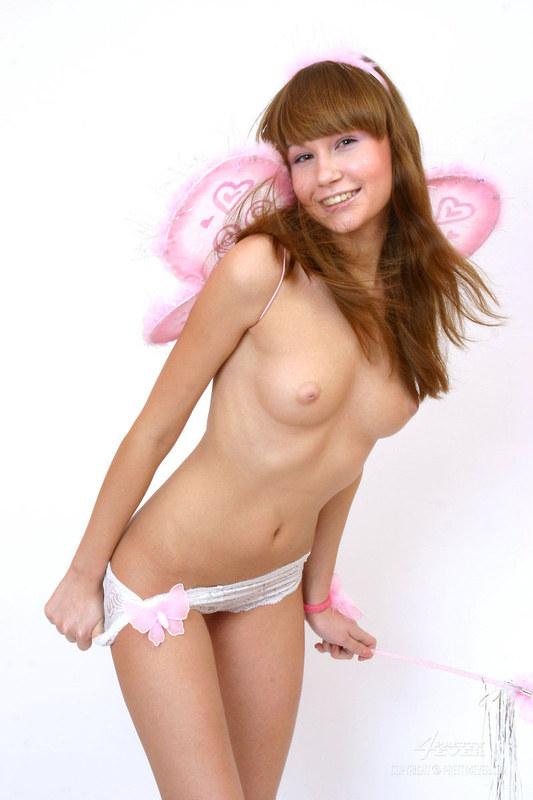 Обнаженный сексапильный ангел
